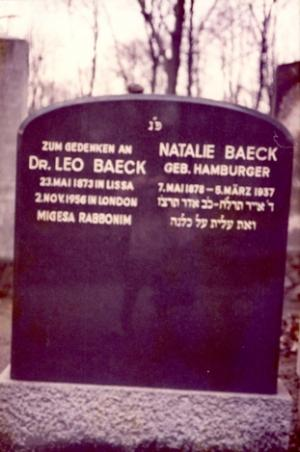 Der Grabstein von Dr. Leo Baeck in London. Copyright: Yad Vashem