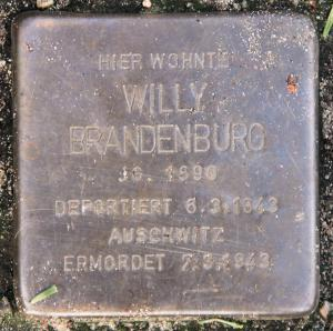 Stolperstein für Willy Brandenburg.